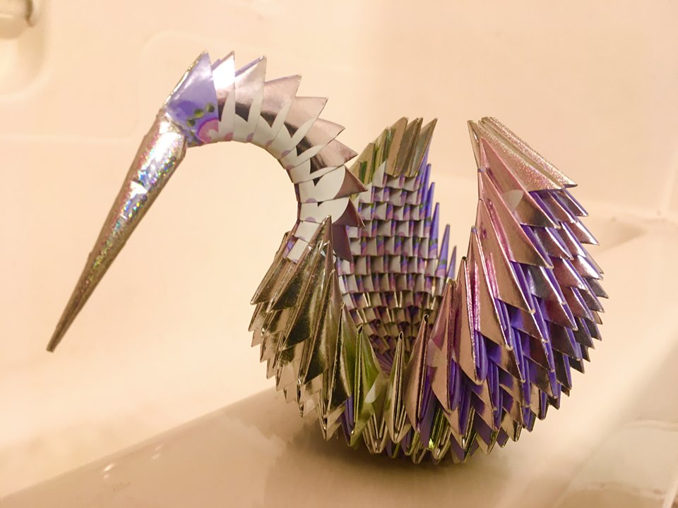 Swan Basket (Traditional technique) - Golden Venture technique (3D origami). Several 100's of sheets, 1:2 ration. Gifted by unknown folder. Gifted in 2019.
